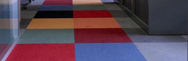 Wykładziny obiektowe – płytki dywanowe